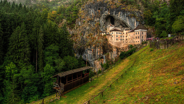 predjama-castle-castillo-eslovenia