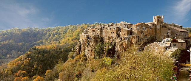 calcata-pueblo-italia
