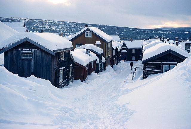 roros-noruega-pueblo-navidad