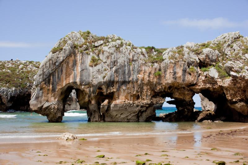 Asturias-cuevas-del-mar