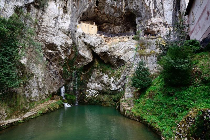 cueva-covadonga-asturias