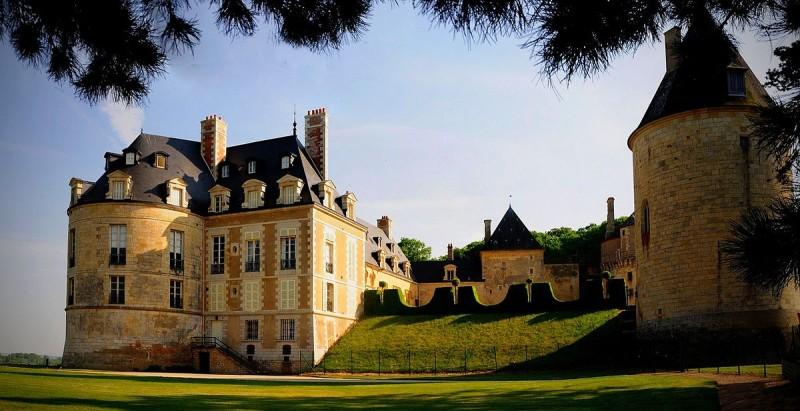 Apremont_sur_Allier