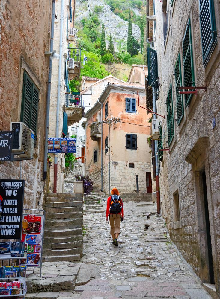 calle-de-kotor-montenegro