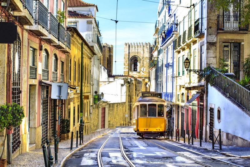 alfama-portugal-barrio