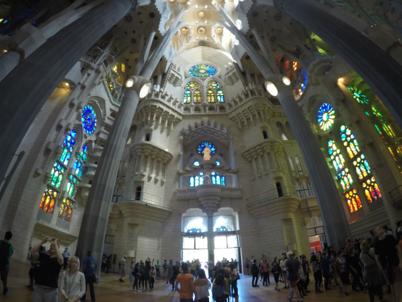 interior-sagrada-familia-14