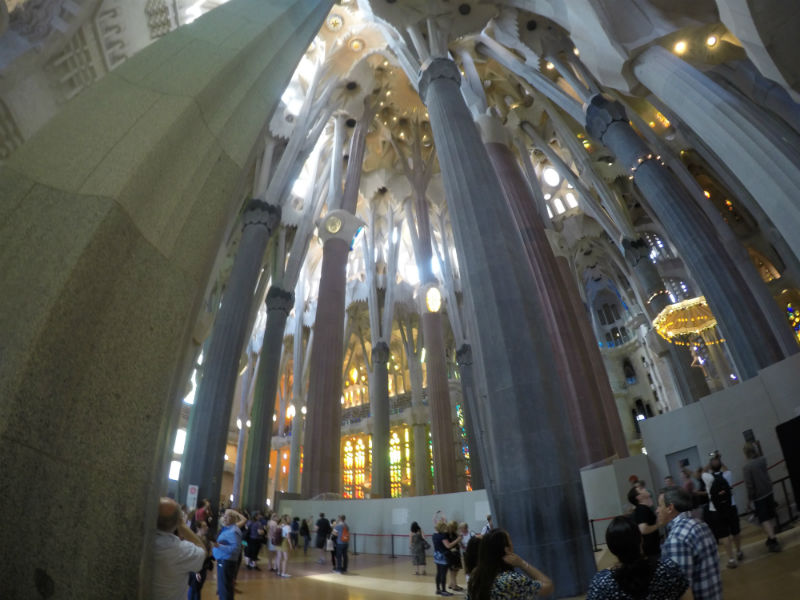 interior-sagrada-familia-15
